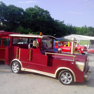 Rental of tourist attraction fun trains
