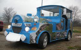Touristische Attraktion lustigen Bummelzug kommenden Zug Diesel-elektrische Benzin Methan 4×4