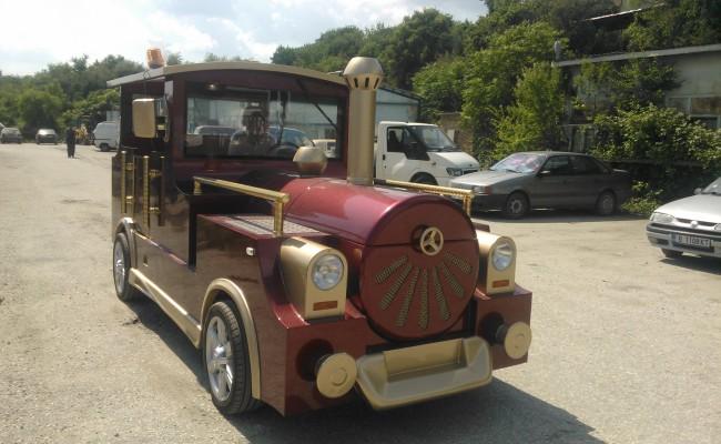 prodhon shet tërheqje shërbim turistik fun trenit lokomotivë kamionçinë ngadalë lëviz trenin elektrik
