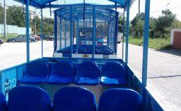 Παράδοση δύο κομμάτια των τουριστικών τρένων Δήμου Βράτσα