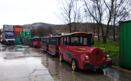 hybrid energy attraction trains